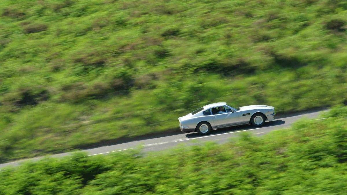1978-Aston-Martin-V8-Vantage-7