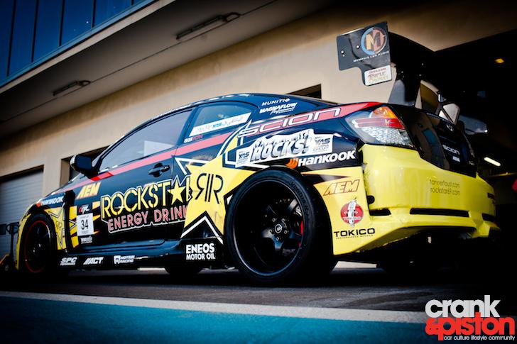 Formula Drift. Yas Marina Circuit - crankandpiston.com