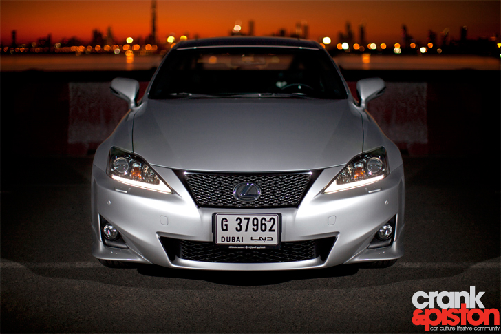 lexus is300 f sport - crankandpiston
