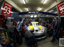 2013-24-hours-of-le-mans-halfway-011