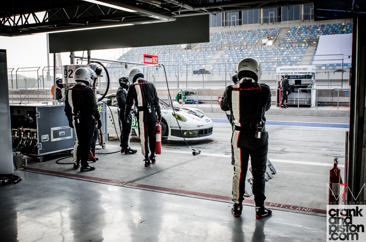 2013-world-endurance-championship-bahrain-start-04