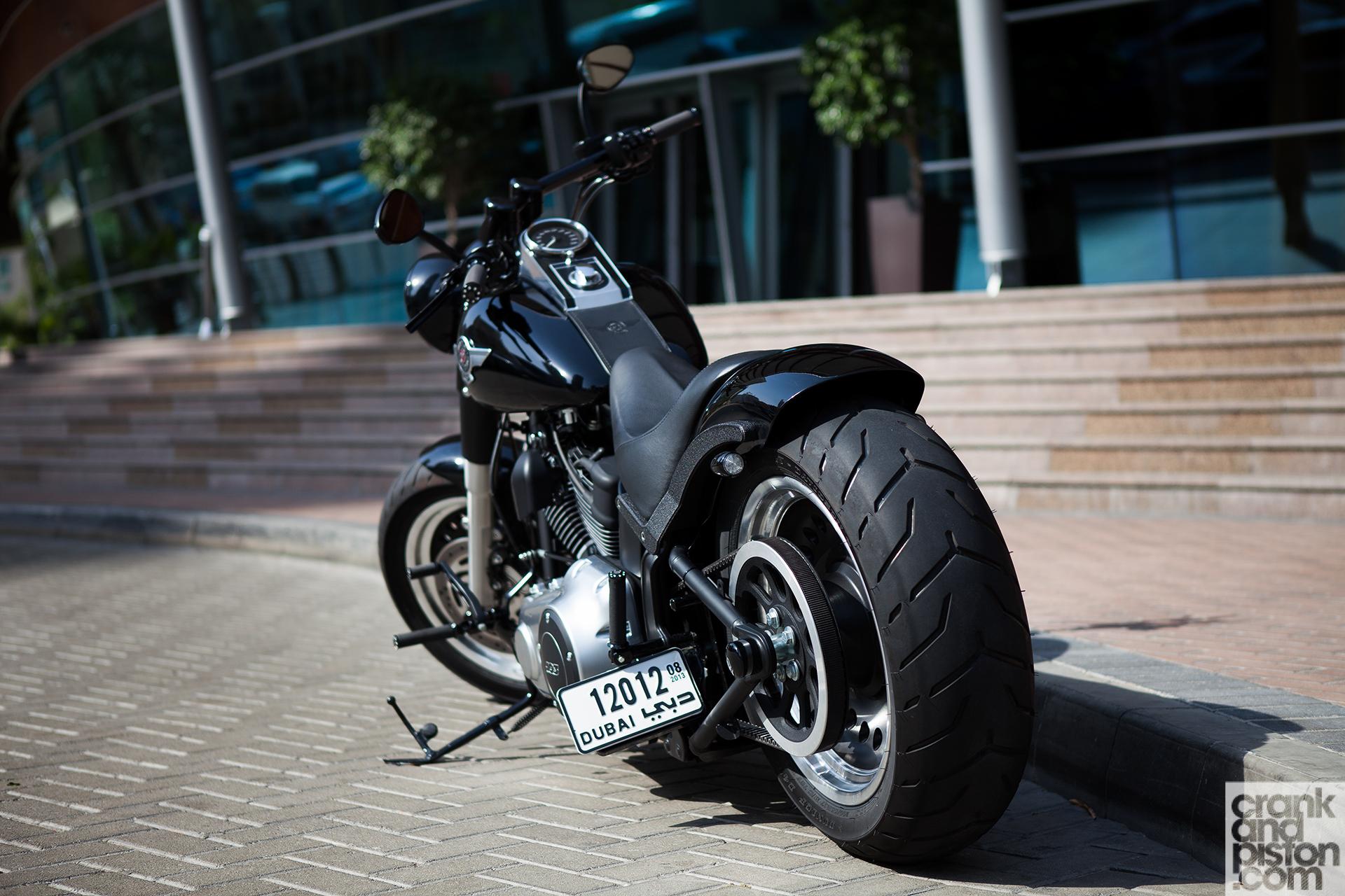 Harley Davidson Fat Boy Dubai Uae Wallpaper 003 Crankandpiston Com