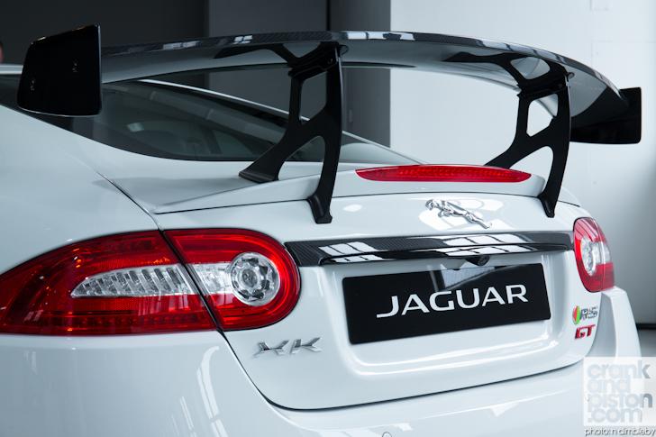 Jaguar-XKR-S-GT-New-York-Motor-Show-003