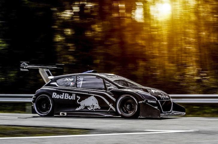Peugeot-208-T16-Sebastien Loeb-Pikes-Peak-International-Hillclimb