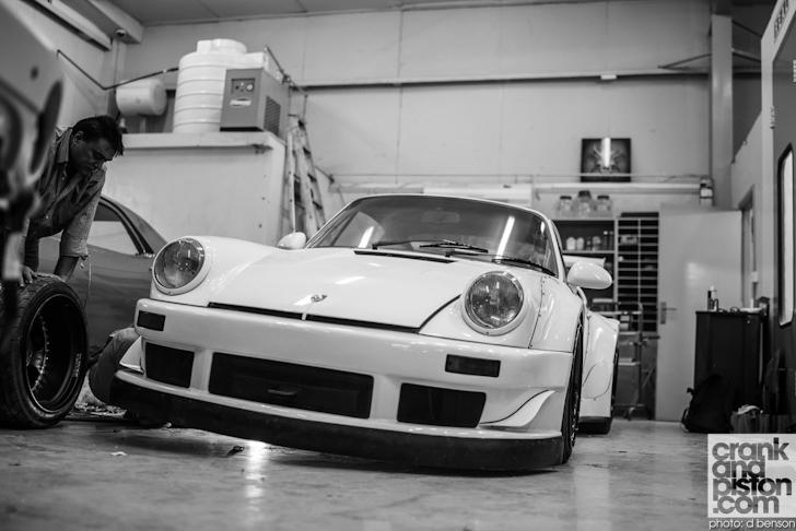 RAUH-Welt-Porsche-Nakai-San-Dubai-UAE-008