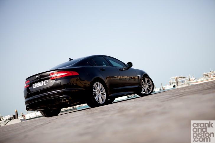 Jaguar-XFR-Dubai-UAE-Wallpaper-001