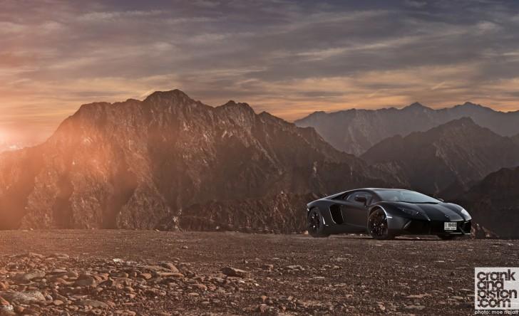 Lamborghini-Aventador-Ferrari458-Italia-McLAren-MP4-12C-Wallpapers-003