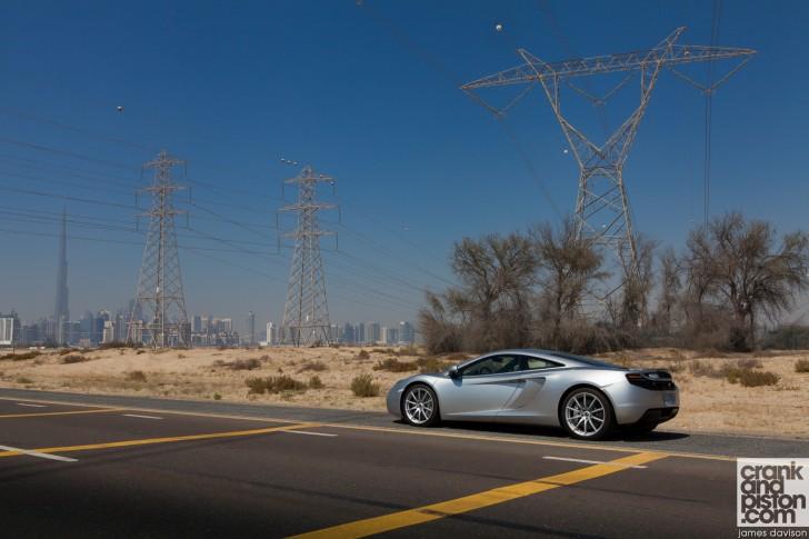 McLaren-MP4-12C-Unchained-Dubai-UAE-Wallpaper--002