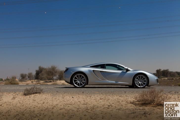McLaren-MP4-12C-Unchained-Dubai-UAE-Wallpaper--003