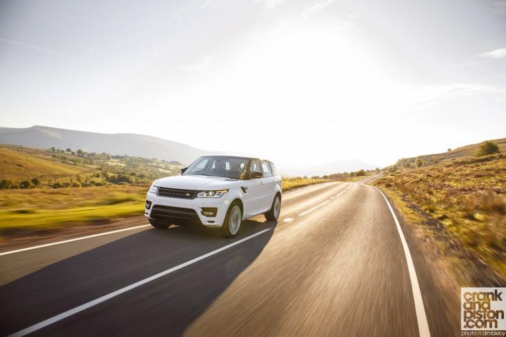 Range-Rover-Sport-UK-Wallpaper-002