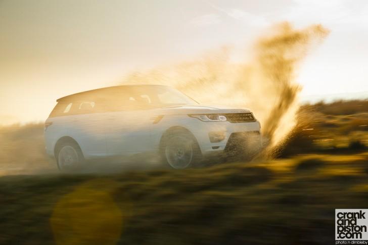 Range-Rover-Sport-UK-Wallpaper-003