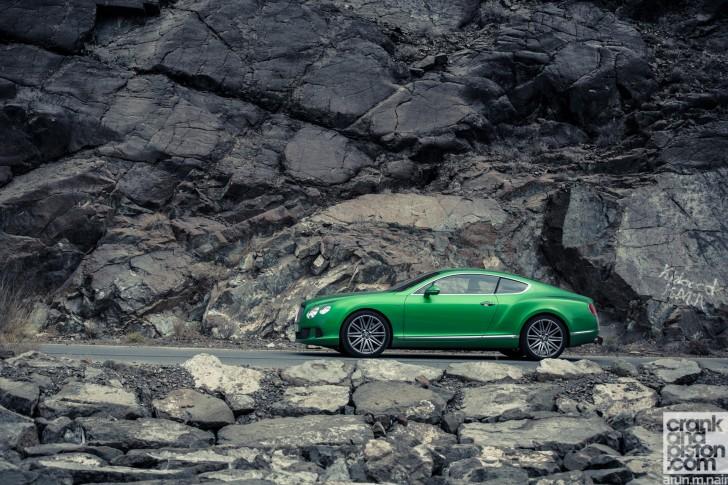 Bentley-Continental-GT-Speed-Aston-Martin-DB9-Dubai-UAE-Wallpapers-03