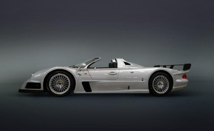 2002-Mercedes-Benz-CLK-GTR_13841_low_res