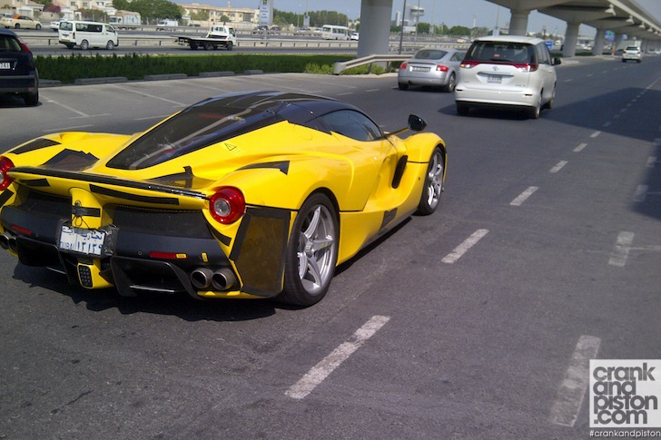 LaFerrari-spotted-Dubai-UAE-01
