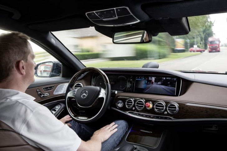 Mercedes Intelligent Drive