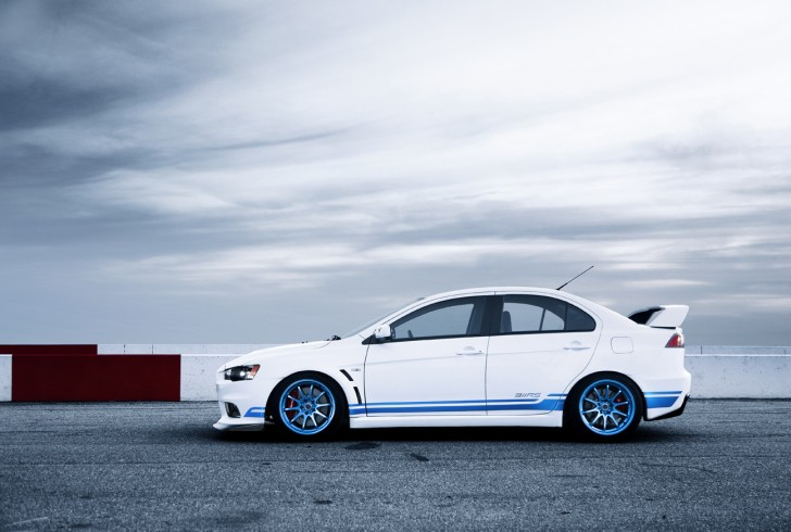 Ryan Gates's 311RS. DRIVE. Making the EVO X better