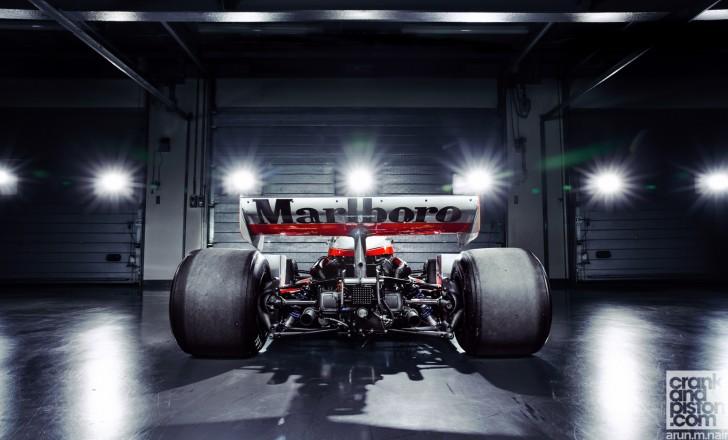 McLaren-M26-James-Hunt-Dubai-Autodrome-Wallpapers-05