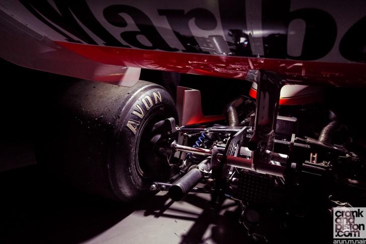 McLaren-M26-James-Hunt-Dubai-Autodrome-Wallpapers-08