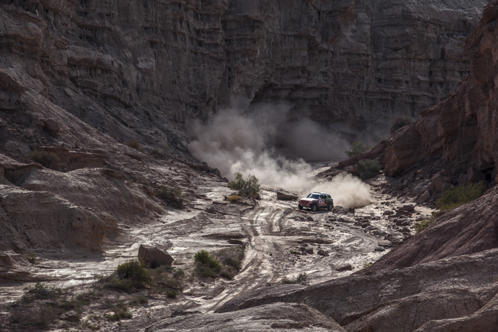 2014-dakar-rally-shakedown-01