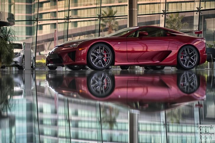 Lexus-LFA-Dubai-13-728x484