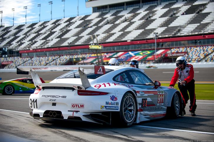 Porsche-911-RSR-Daytona-2014-Camden-Thrasher-01