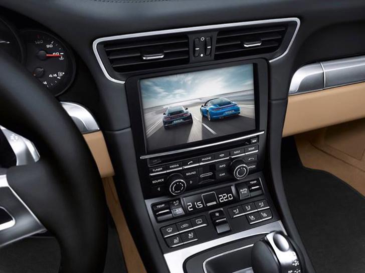 porsche 911 targa new interior pics crankandpistoncom - 911 Porsche 2014 Interior