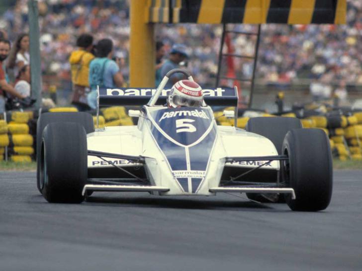 Ten-Unexpectedly-Cool-Formula-1-Liveries-16