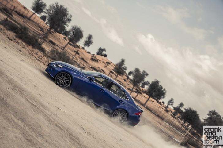 Cadillac-ATS-vs-Lexus-IS350-F-Sport-Wallpapers-08