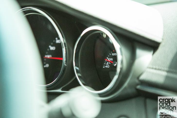 2010-Cadillac-CTS-17