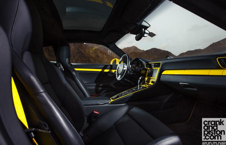 Porsche-911-Turbo-S-McLaren-12C-Spider-24