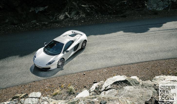 Porsche-911-Turbo-S-McLaren-12C-Spider-26