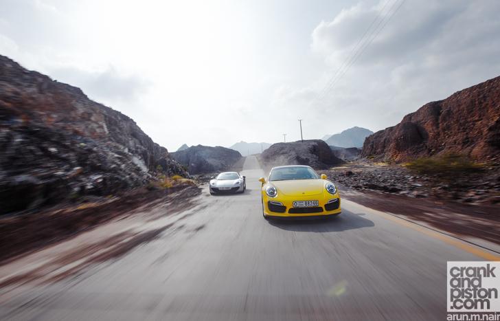 Porsche-911-Turbo-S-McLaren-12C-Spider-33