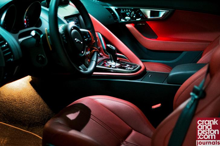 Jaguar F-TYPE V6 S Journals (September)-03