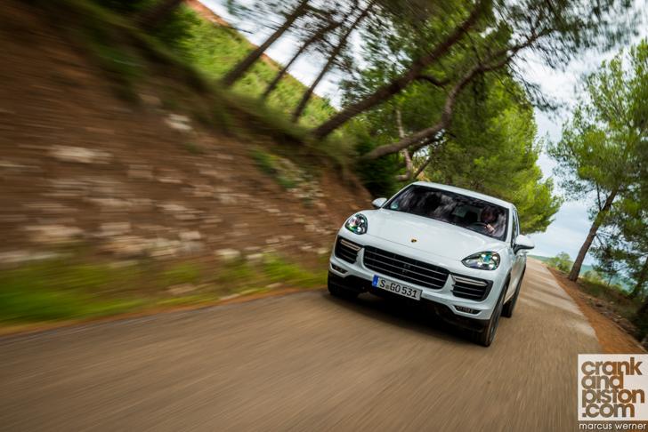 New Porsche Cayenne Turbo -05