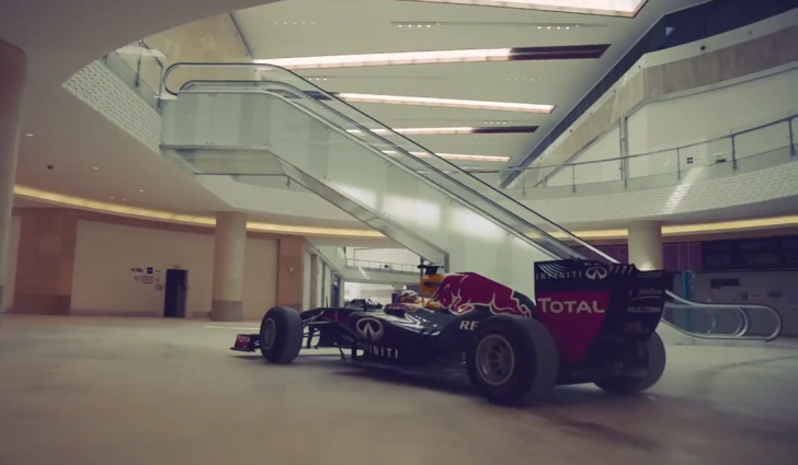 Red-Bull-Racing-Carlos-Sainz-Jr-Yas-Mall-01