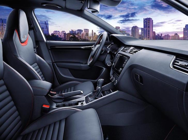 150220 SKODA Octavia RS 230 - interior