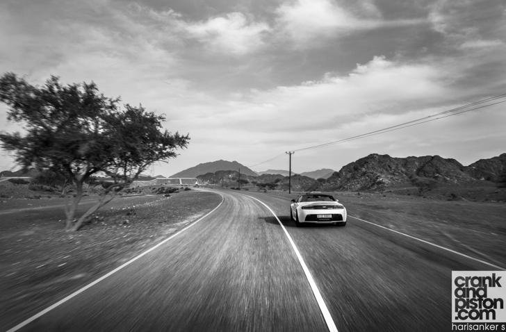 Aston Martin V12 Vantage S Roadster crankandpiston-7