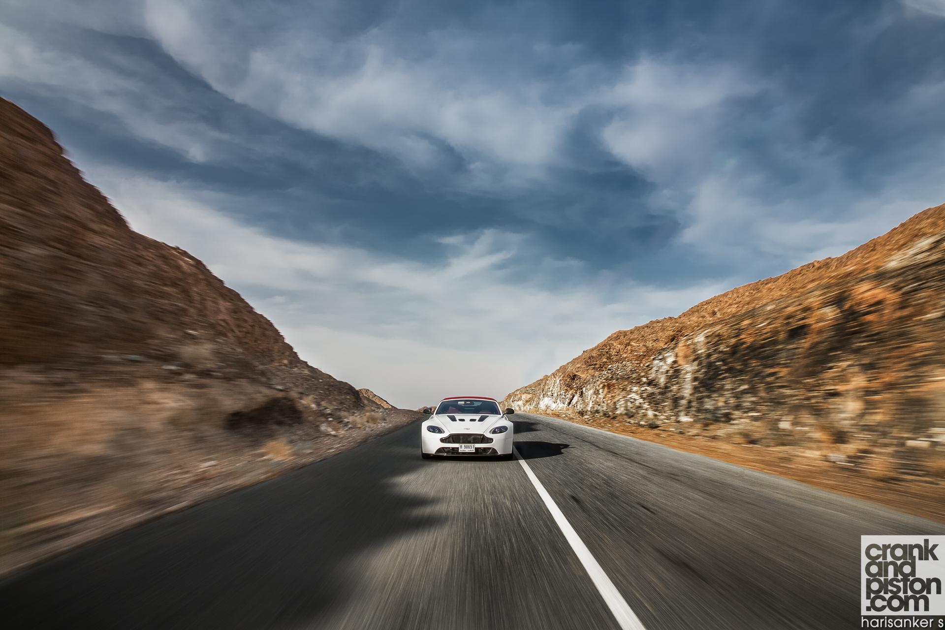 Aston Martin V12 Vantage S Roadster crankandpiston Wallpapers-1