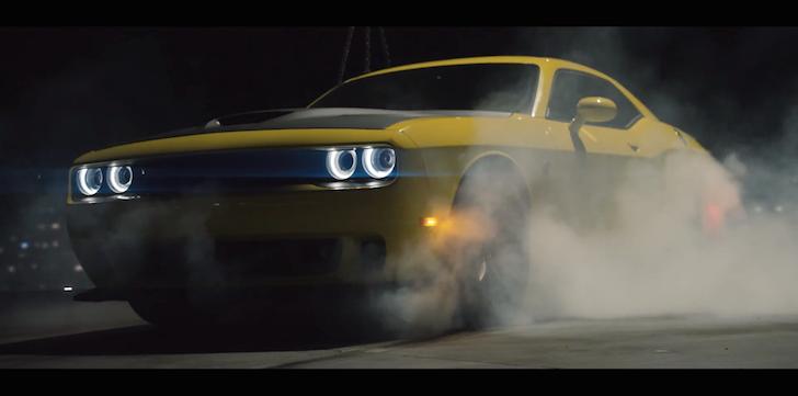 Dodge Challenger SRT Hellcat Roof-Top Drift 02