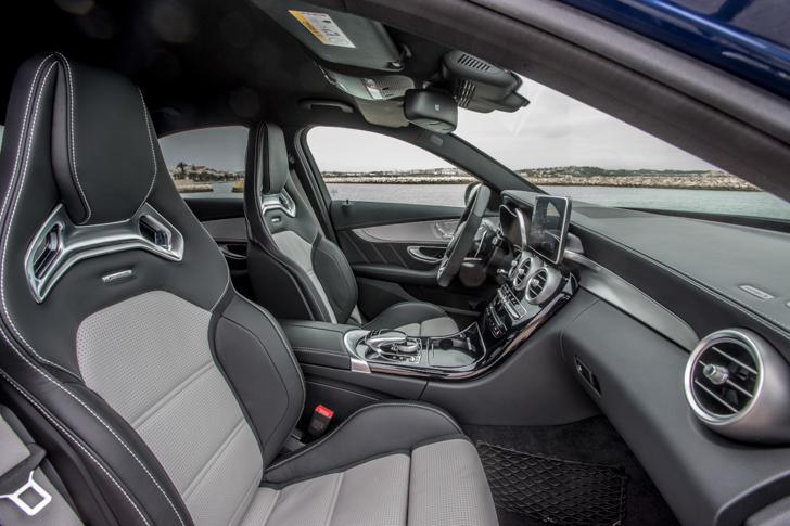 Mercedes-AMG C 63 S; Fahrvorstellung Portimao 2015; brillantblau