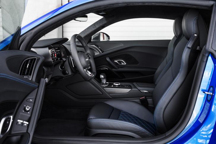 Audi R8 V10 Plus-09