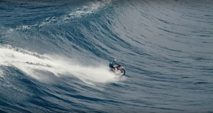 robbie-madison-surfing