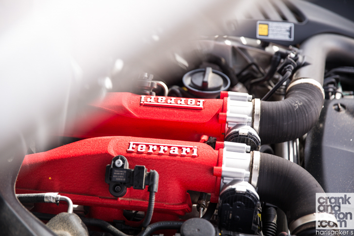 Ferrari California T vs Aston Martin Vanquish Volante-01