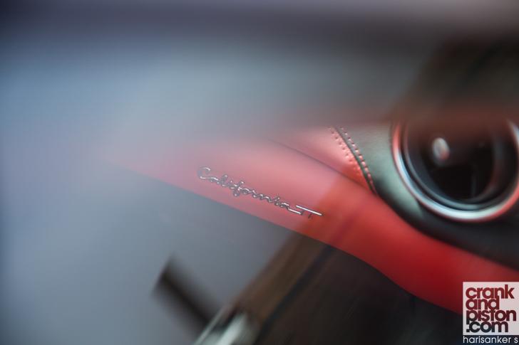 Ferrari California T vs Aston Martin Vanquish Volante-13