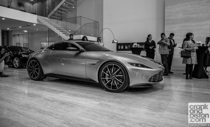 Aston Martin DB10 crankandpiston-43