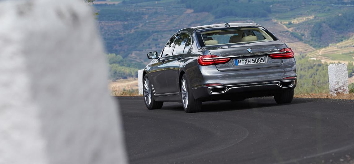 BMW 750Li xDrive. DRIVEN