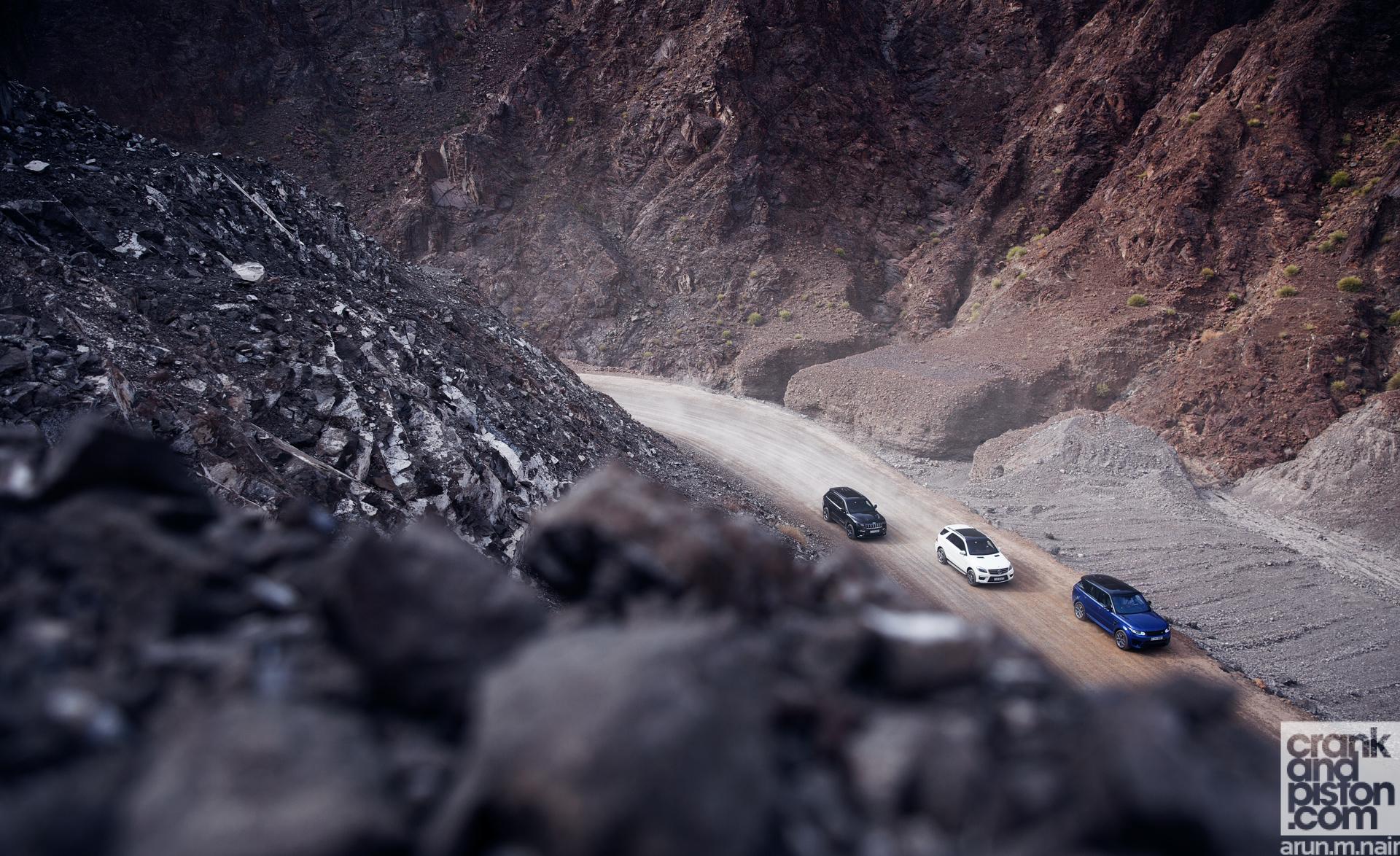 Range Rover vs Mercedes vs Jeep-1