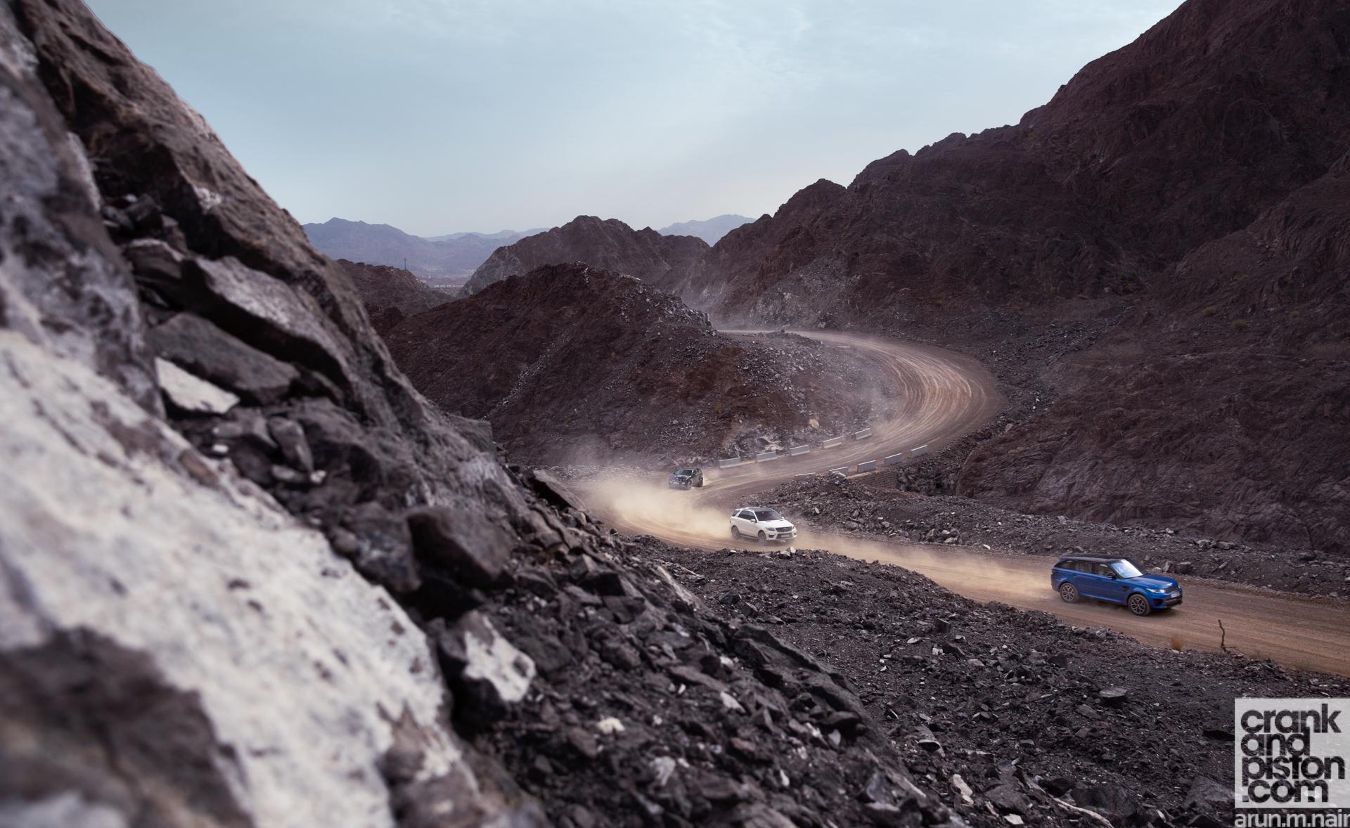 Range Rover vs Mercedes vs Jeep-2