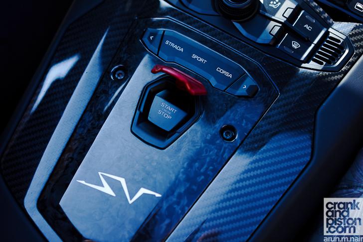 Lamborghini Aventador SV Roadster crankandpiston-10