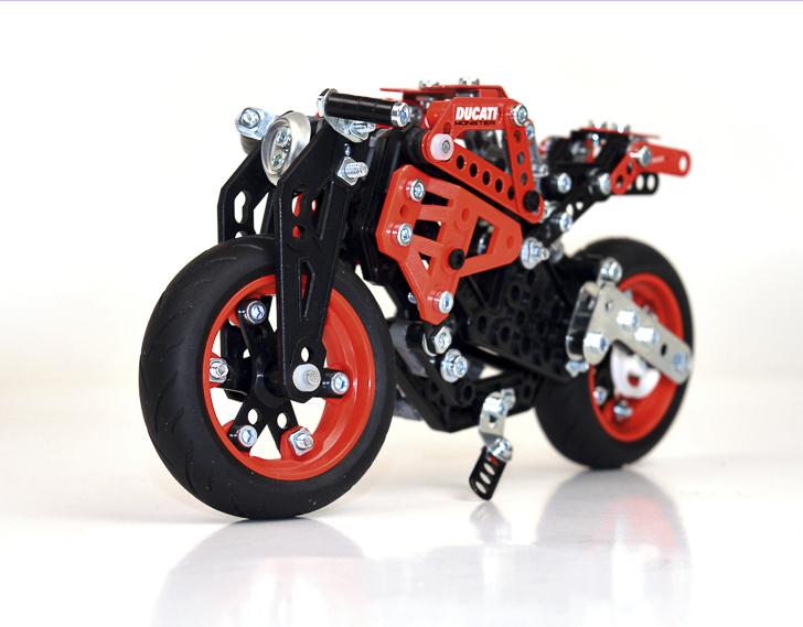 Meccano Ducati-2